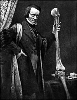 Le paléontologue britannique Richard Owen (1804-1892), qui fut le premier à publier une illustration du tibiotarse de Gastornis en 1856. © DR