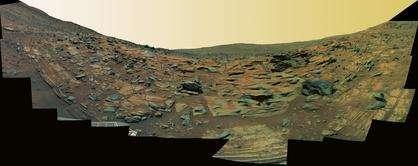 L'Home Plate, vu par le Rover Spirit (Crédits : NASA/JPL)