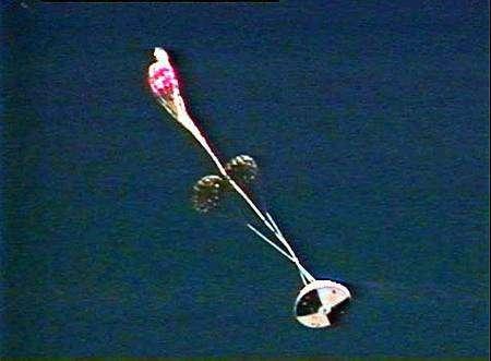 Refus d'ouverture du parachute de stabilisation. Crédit Nasa