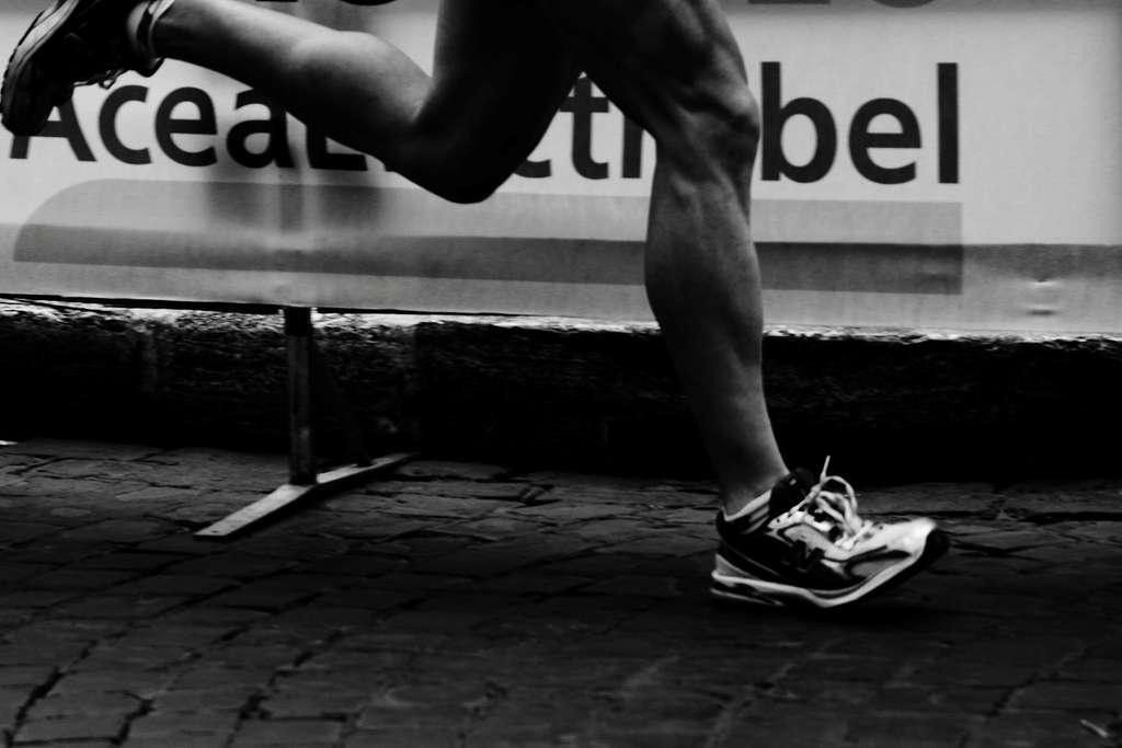 Un régime passe par un changement d'alimentation, en réduisant les apports caloriques et en mangeant équilibré, mais aussi par de l'activité physique. Le logiciel ne se focalise pas uniquement sur ce premier paramètre, mais peut aussi inciter à davantage d'exercice. © Giulio Menna, Fotopédia, cc by nd 2.0