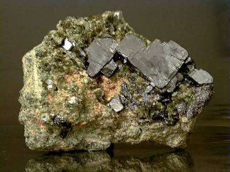 Pérovskite. © www.fabreminerals.com, Fabre Minerals photo
