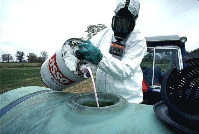 Les pesticides sont des produits nocifs pour les nuisibles… mais aussi pour l'Homme. © USDA, Wikimedia, domaine public