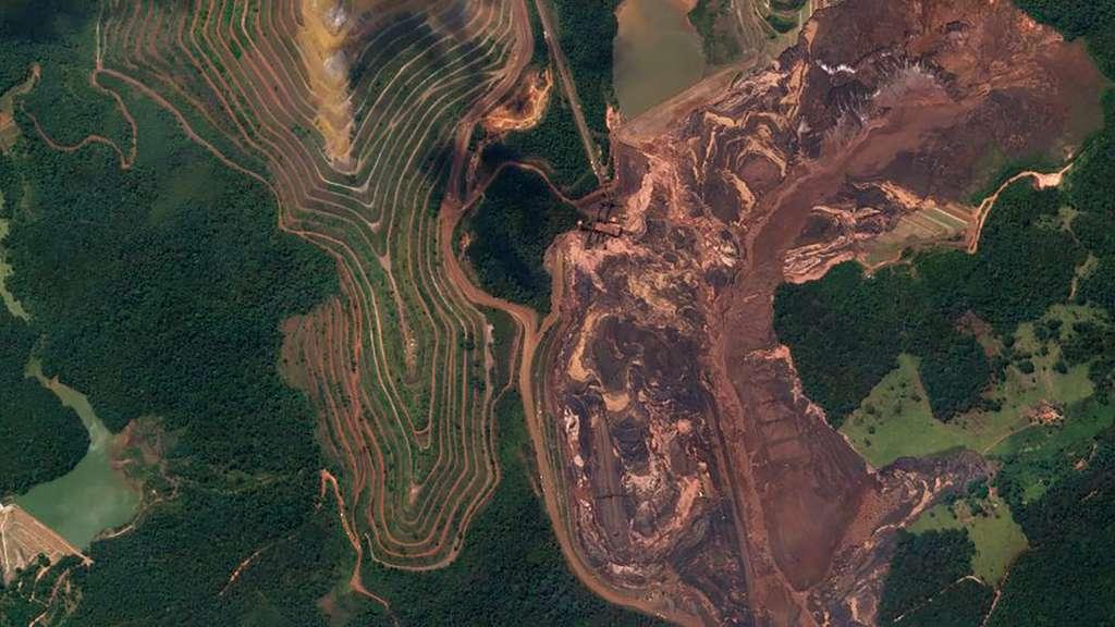 La rupture du barrage de Brumadinho, en janvier, dans le sud-est du Brésil a fait 270 morts. Des millions de tonnes de résidus miniers ont englouti toute la région. © 2019 Planet Labs, Inc.