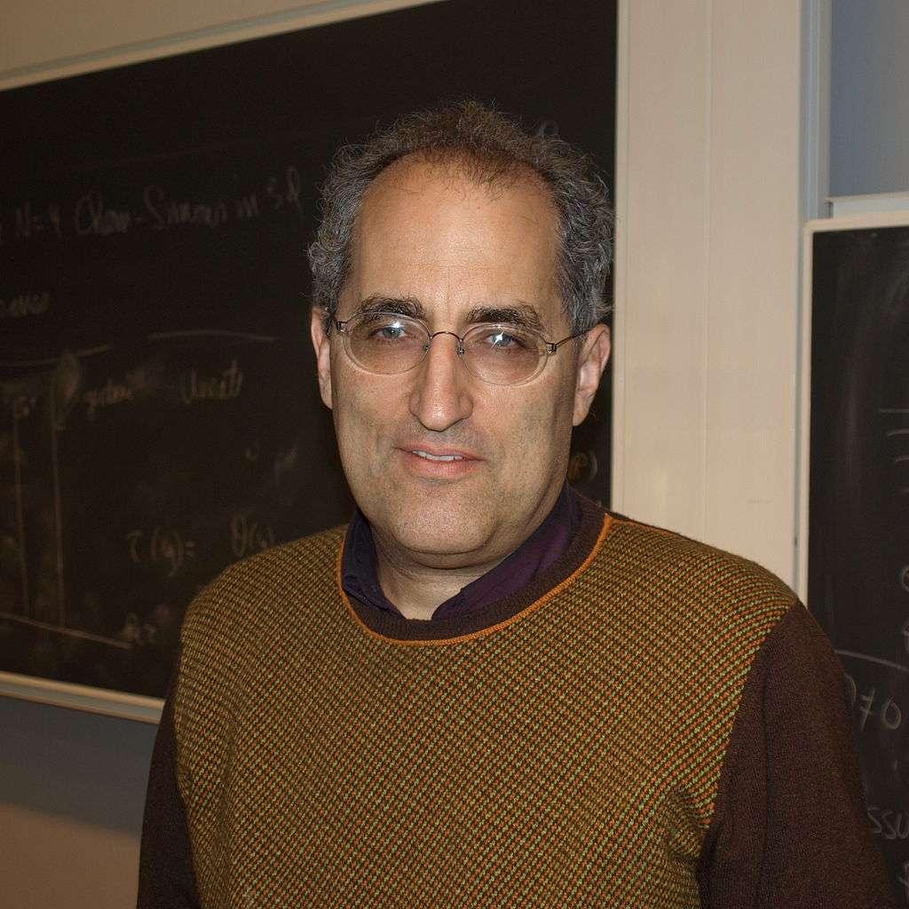 Edward Witten est lauréat de la médaille Fields de mathématique. Certains comparent ce physicien théoricien non pas à Einstein mais à Newton. © DP, Wikipédia