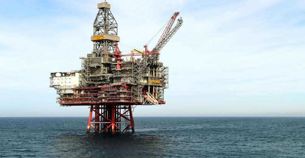 La plateforme pétrolière représente l'industrie du pétrole, huile découverte au milieu du XIXe siècle. © Norsk olje og gass CC BY-SA 2.0