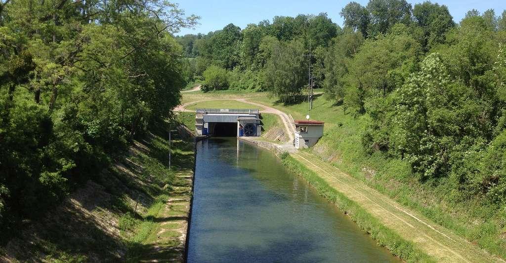 Entrée Sud du tunnel de Braye-en-Laonnois. © Cl9f, Wikimedia commons, CC by-sa 3.0