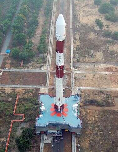 Acheminement du lanceur vers l'aire de tir. Crédit : ISRO.