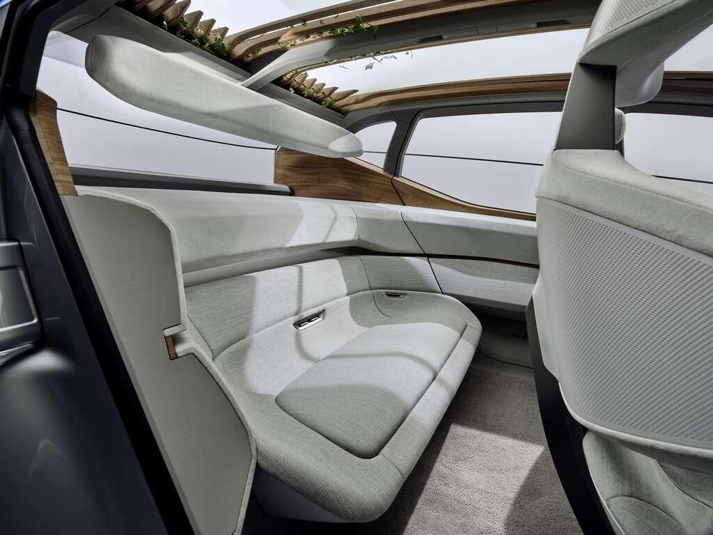 L'intérieur de l'Audi AI :ME avec sa pergola. © Audi AG