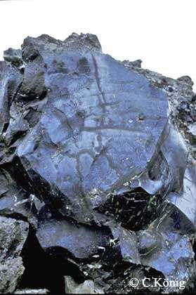 Obsidienne, détail de la coulée précédente