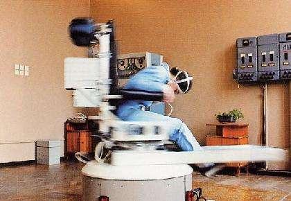 Le fauteuil tournant de la Cité de l'Espace permettant de contrôler l'appareil vestibulaire. (Crédit : Capcomespace)