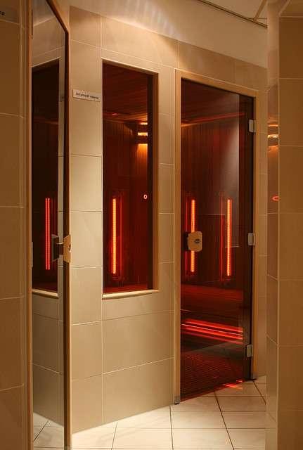 Le principe du sauna infrarouge divise les avis. © Alesa Dam, Flickr CC by nc-nd 2.0