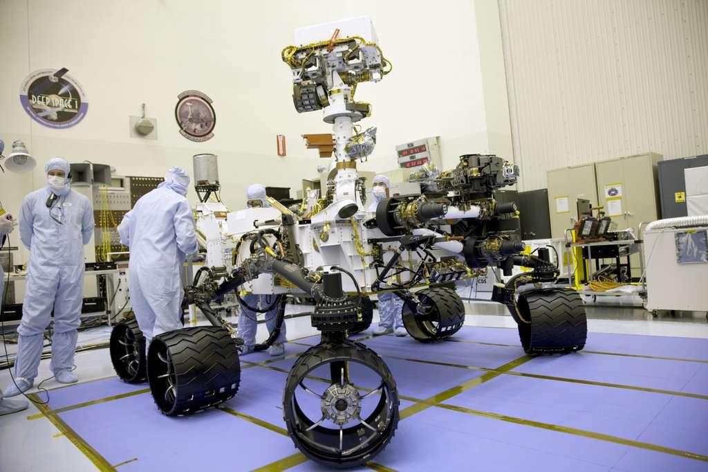 La mission primaire doit durer au moins une année martienne (deux années terrestres), pendant laquelle Curiosity couvrira une distance totale d'environ 20 kilomètres. © Nasa/Frankie Martin