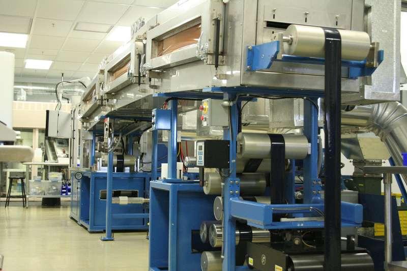 L'outil de production dont se sert Seeo pour fabriquer son électrolyte solide à base de lithium pur. Selon la start-up, sa batterie peut être fabriquée avec les mêmes outils de production que ceux utilisés pour les batteries lithium-ion conventionnelles. © Seeo