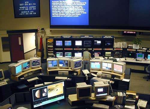 Nouvelle salle de contrôle (2000) du JPL. © JPL/NASA.
