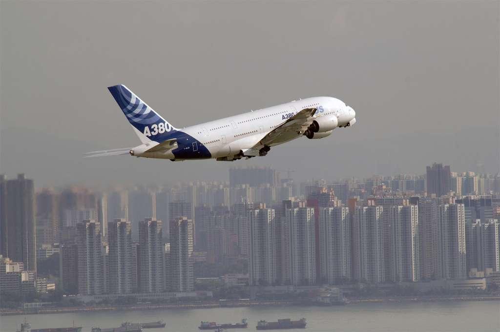 L'A380 à Hong Kong lors de son tour du monde