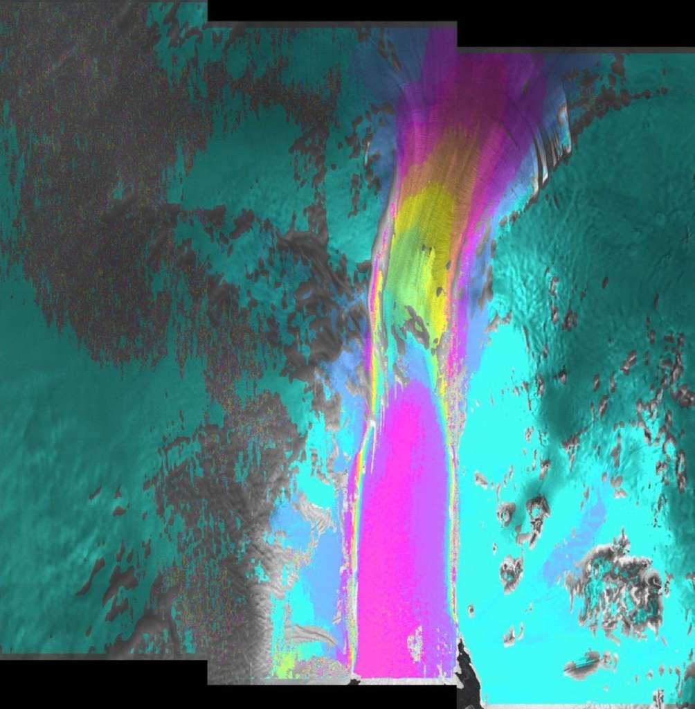 Avec leur radar, les satellites Sentinel 1 sont capables de voir la fonte des glaciers, mais également leur vitesse de déplacement. Cette image combine deux vues acquises les 3 et 15 mars 2016 par Sentinel 1A ; elle montre la vitesse de déplacement du glacier de l'île du Pin, en Antarctique. Les zones en violet indiquent un déplacement de 100 mètres entre les deux clichés. © Copernicus data