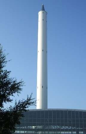 La tour de chute du ZARM. Crédit : Université de Hamburg