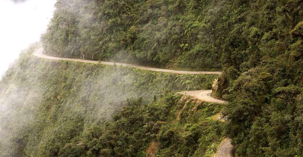 Les routes en Bolivie sont parfois très dangereuses. © Alex Proimos, Wikimedia commons, CC by 2.0