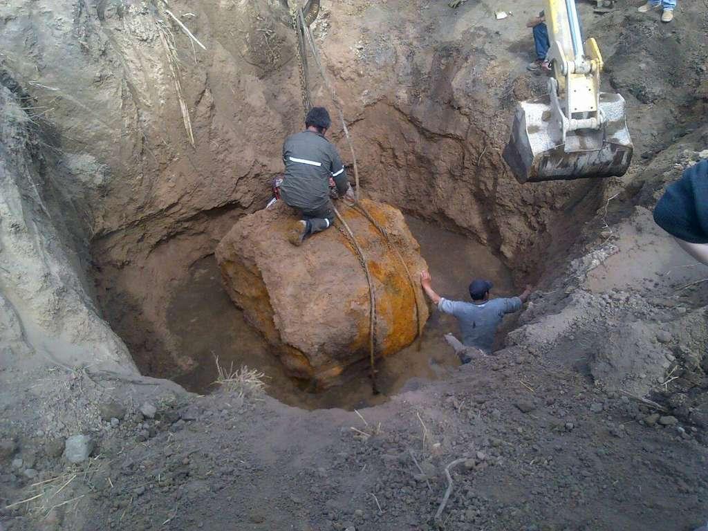 La météorite de Gancedo avant son extraction. © Astronomy Association of Chaco