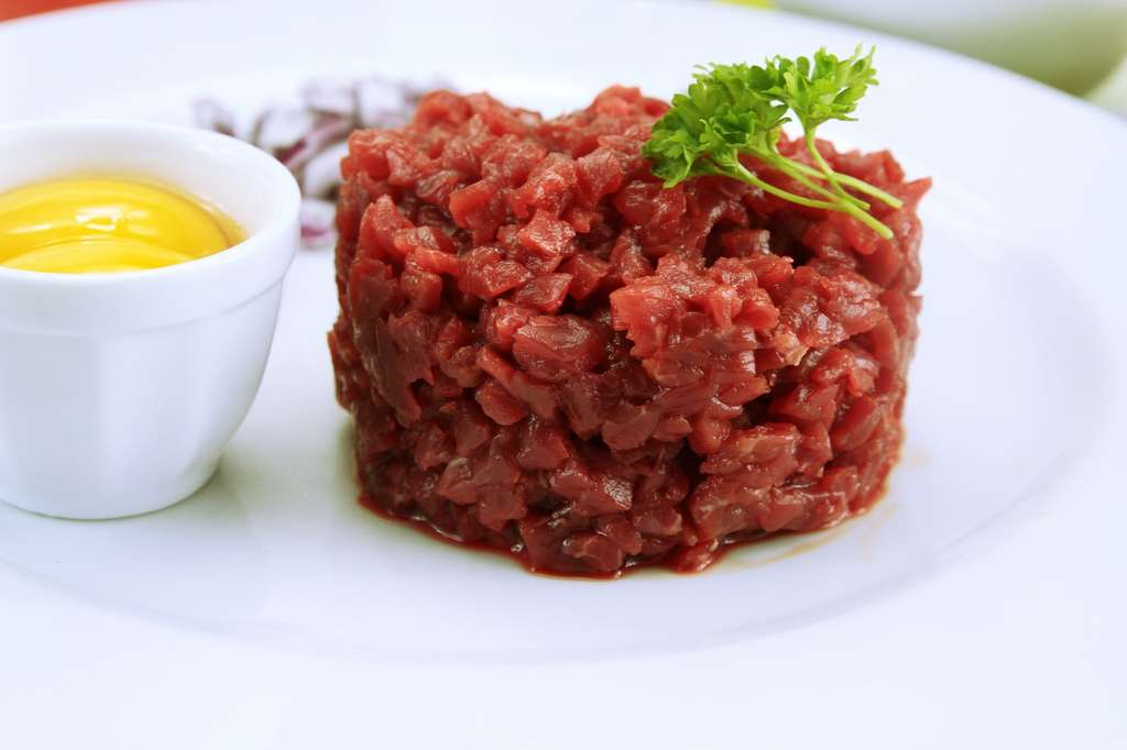 Un délicieux steak tartare. © ALF photo, fotolia