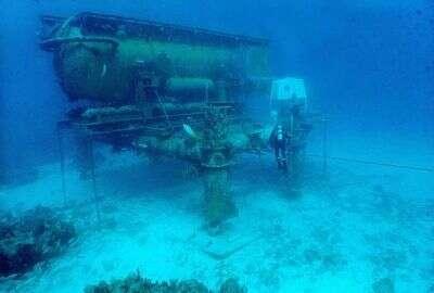 Sous la mer, la Nasa entraîne ses équipages et simule toutes sortes de situations, dont les interventions chirurgicales que devront peut-être un jour effectuer les astronautes.