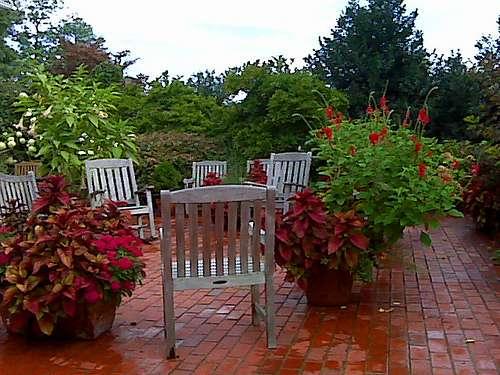 La terrasse, conviviale, est un élément incontournable des jardins de demain. © Laudu / Flickr - Licence Creative Common (by-nc-sa 2.0)