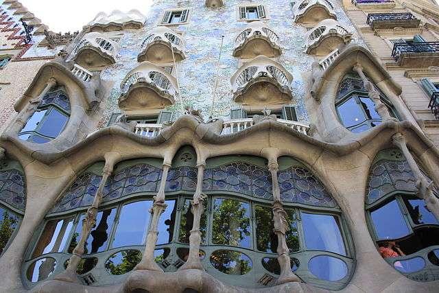 La Casa Batlló Barcelone est un édifice moderniste conçu par Antoni Gaudí. © Nur, CC, by-sa 2.0