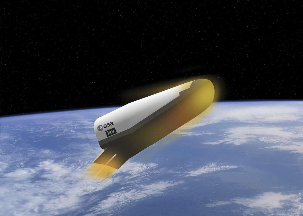 Démonstrateur de rentrée atmosphérique IXV (Intermediate eXperimental Vehicle, 4,4 m pour une envergure de 2,2 m) dont le vol d'essai est prévu en 2014. © Esa/J. Huart