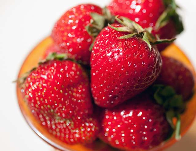 La Nasa a déjà commencé la liste des aliments qui pourront être du voyage vers Mars, et les fraises en font partie. © Robert Couse-Baker, Flickr CC by 2.0