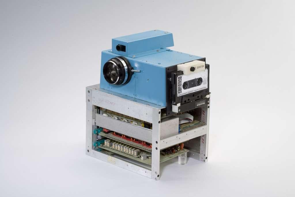 Le tout premier appareil photo numérique