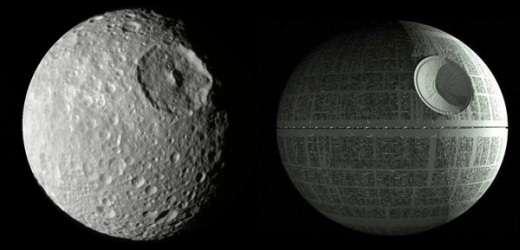 Il y a comme un air de ressemblance. À gauche, Mimas photographiée par la sonde Cassini. À droite, l'Étoile noire. © Nasa, ESA, JPL, Lucasfilm