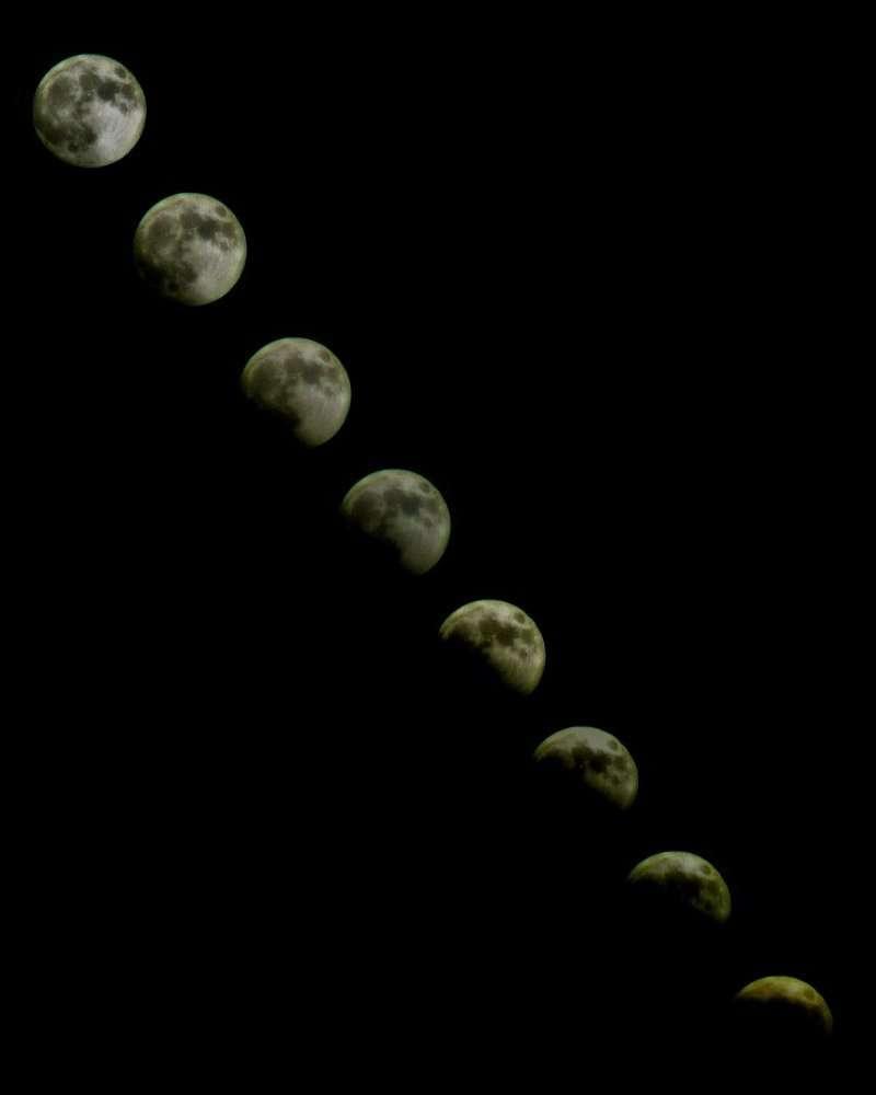 Eclipse Totale de Lune - Chapelet - 16 Mai 2003