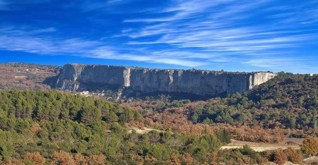 Faille de Lioux, Vaucluse. © Marianne Casamance, Wikimedia commons, CC by-sa 3.0