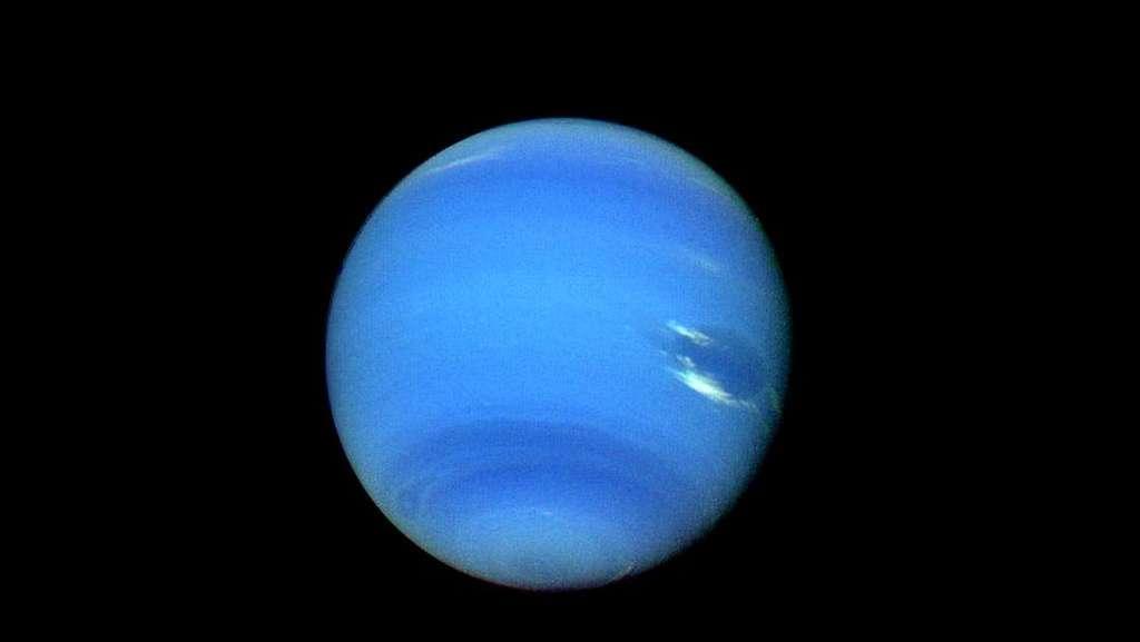 La planète Neptune vue par la sonde Voyager 2. © Nasa
