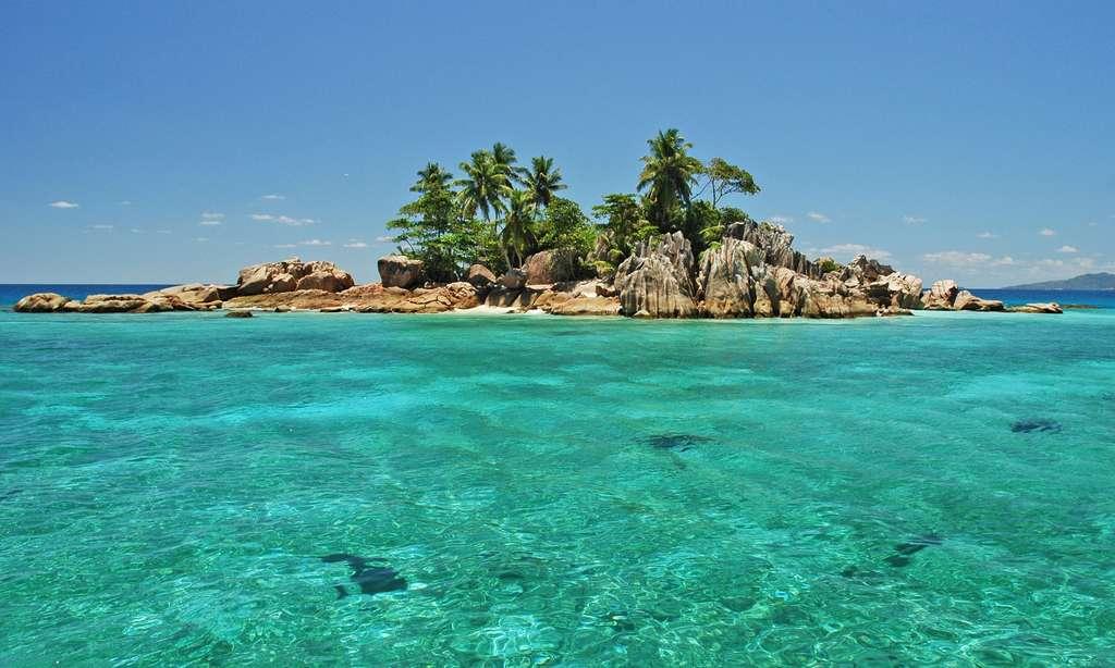 L'île Saint-Pierre, au milieu d'un océan turquoise