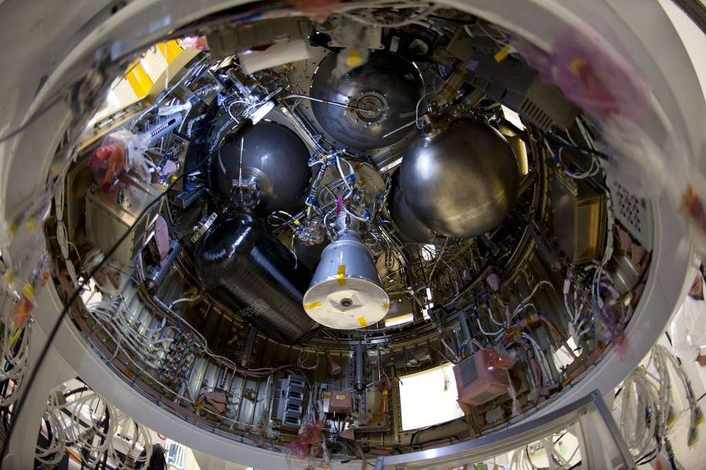 Un étage supérieur Avum en cours d'intégration. © S. Corvaja, ESA
