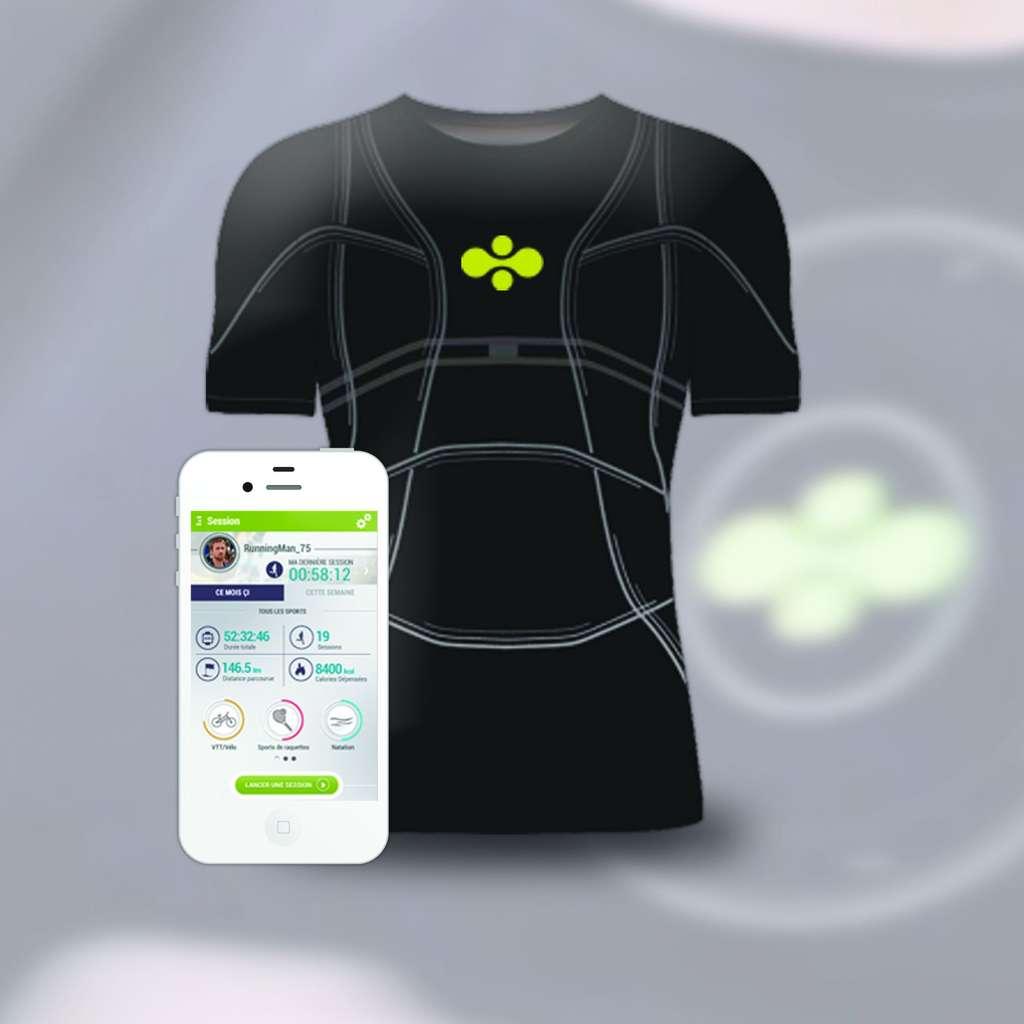 Le D-Shirt contient des capteurs (accéléromètres, GPS…) et des fines électrodes reliés à un boîtier traitant les données. Il peut ainsi suivre les battements cardiaques. Apparaissant actuellement dans le domaine du sport, cette technologie pourra aussi être utilisée pour suivre différents paramètres physiologiques et pour des applications médicales. © Cityzen Sciences