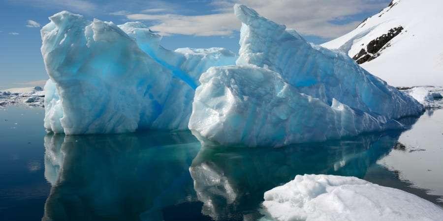 Dans les principales régions côtières arctiques, la glace s'amincit à un rythme de 70 à 100 % plus rapide que le consensus établi. © Lucezn, Getty Images