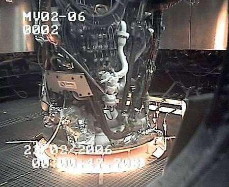 Test du moteur Vinci au banc. Crédit : SNECMA/DLR.