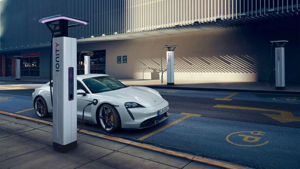 Porsche avait promis 15 minutes de recharge pour récupérer 80% d'autonomie © Porsche