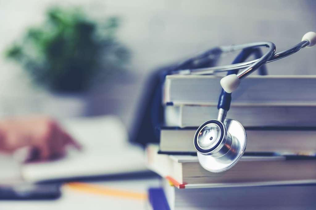 Les infirmiers, exceptionnellement sollicités durant la pandémie de coronavirus, voient également une hausse de leurs propositions d'emploi. © Ronstik, Adobe Stock