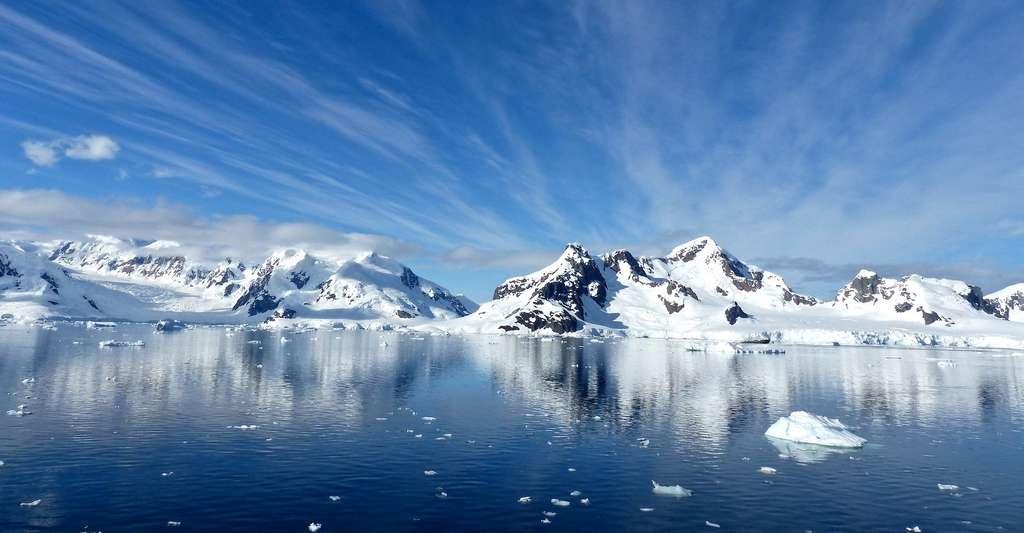 Au cours du Pliocène, un tiers de l'Antarctique a fondu, entraînant une élévation du niveau des mers de 20 mètres. © jcrane, Pixabay License