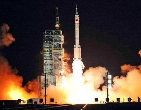 Décollage de Shenzhou 7 ce jeudi 25 septembre 2008 à 13 h 07 TU. Crédit Xinhua