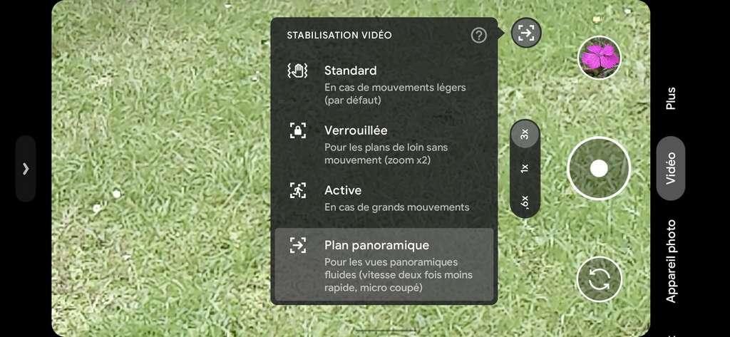 Le mode plan panoramique stabilise la vidéo lorsque l'on veut faire un traveling fluide. On a testé, ça fonctionne très bien ! © Marc Zaffagni