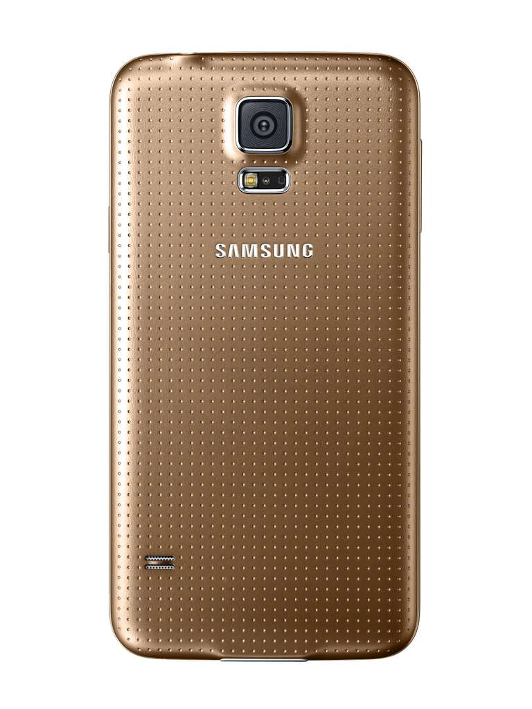 Samsung inaugure une nouvelle couleur cuivrée avec le Galaxy S5, suivant là une tendance que l'on retrouve chez d'autres constructeurs comme Apple ou HTC. © Samsung