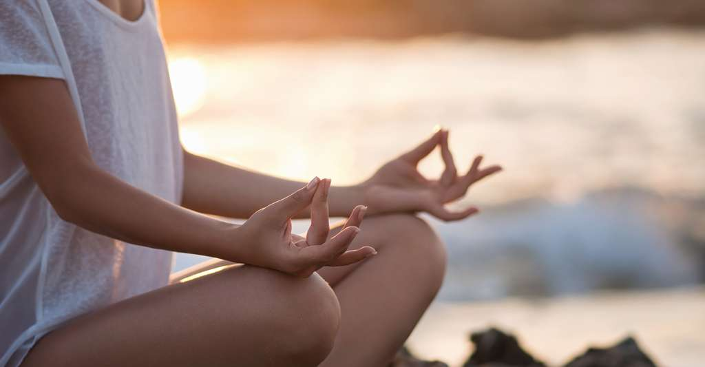 La méditation agirait sur notre cerveau et peut agir contre l'anxiété. © LuckyImages, Shutterstock