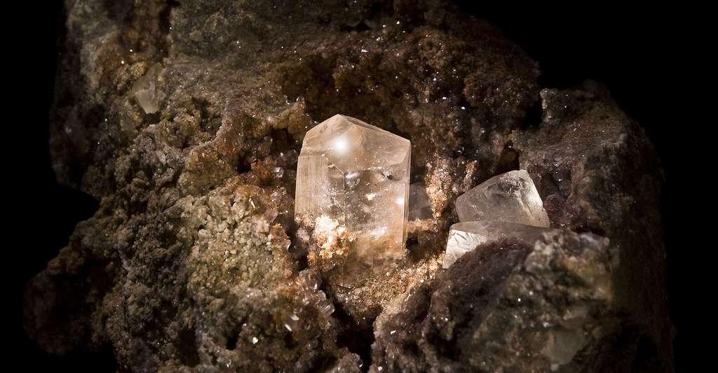 Calcite à Bruniquel (Tarn-et-Garonne), Midi-Pyrénées France. © Didier Descouens, Wikimedia commons, CC by-sa 3.0