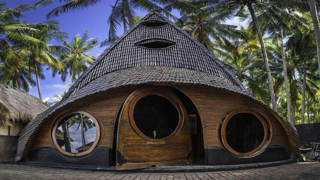 Une maison en bois sur l'île de Bali
