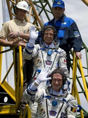 F. De Winne avant de monter à bord - Crédits ESA