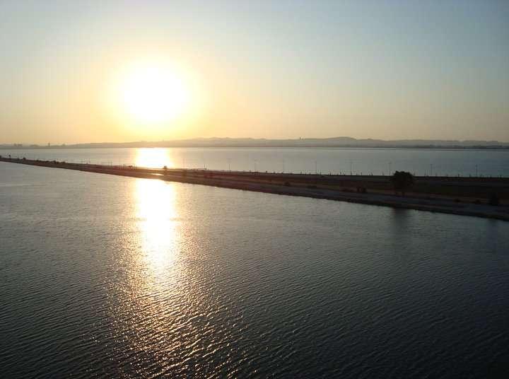 Coucher du soleil sur le lac de Tunis